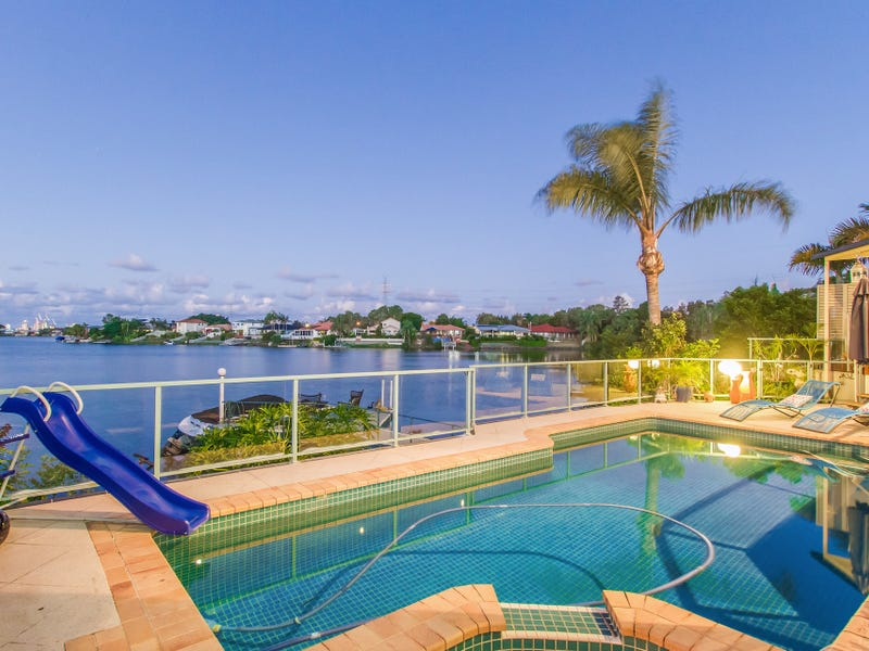 17 Clipper Boulevard, Clear Island Waters, Qld 4226