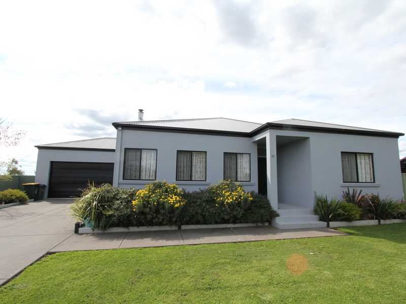 11 Mahers Road, Warrenheip, Vic 3352