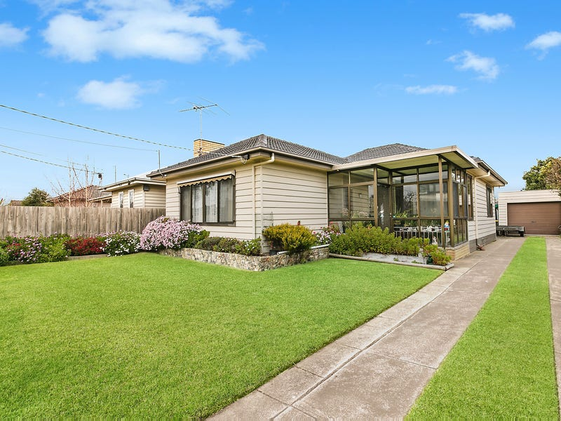 63 Summit Avenue, Belmont, Vic 3216