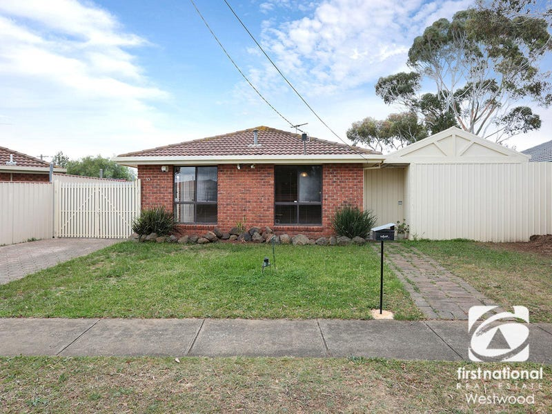 33 Hawkesbury Road, Werribee, Vic 3030