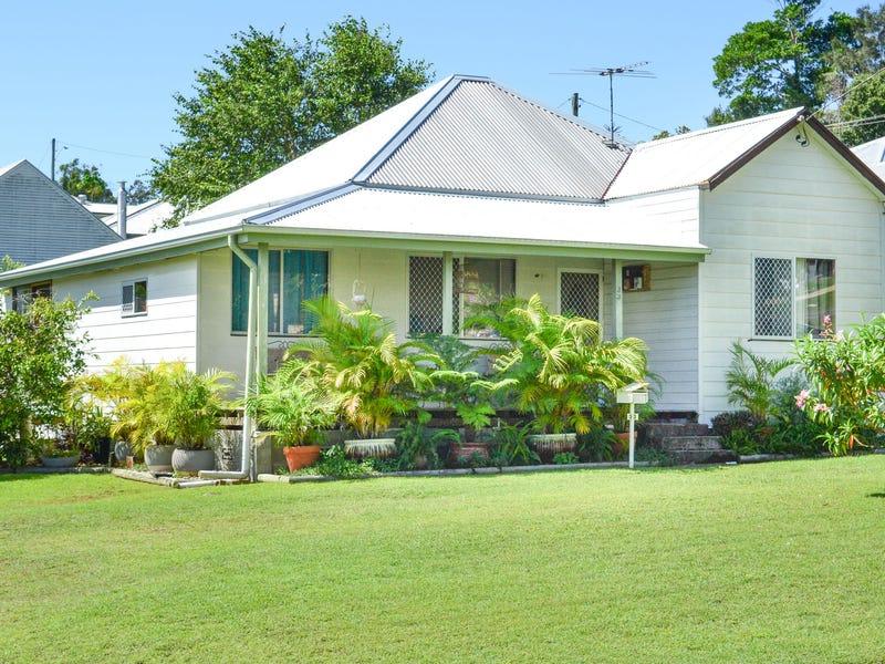 33 Taloumbi Street, Maclean, NSW 2463
