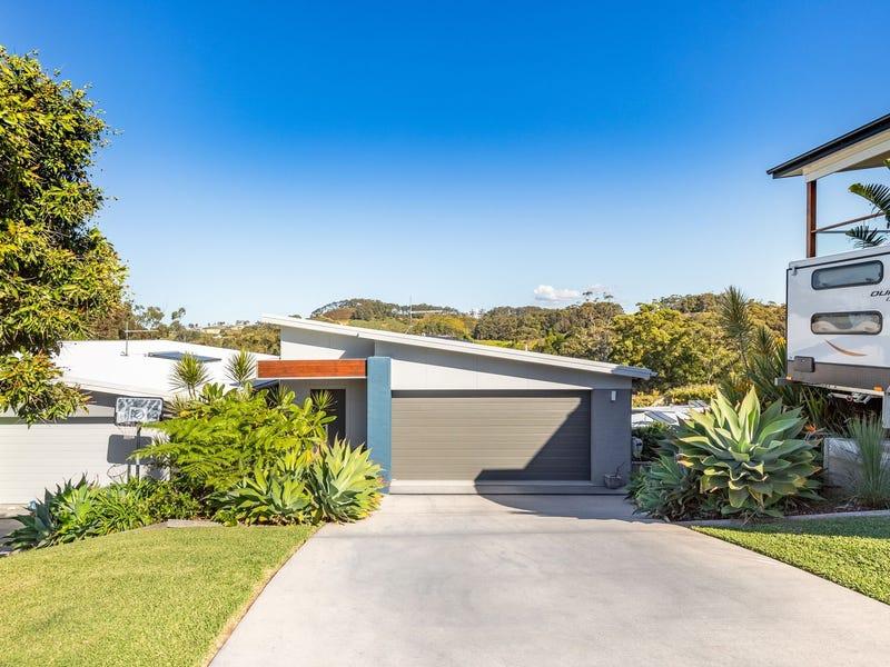 2/21 Ballantine Drive, Korora, NSW 2450