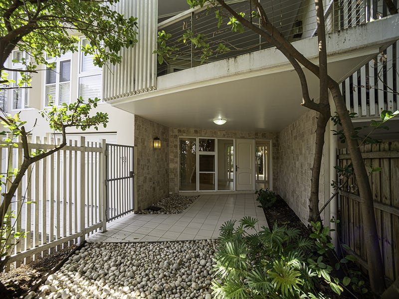 2/181 Stratton Terrace, Manly, Qld 4179
