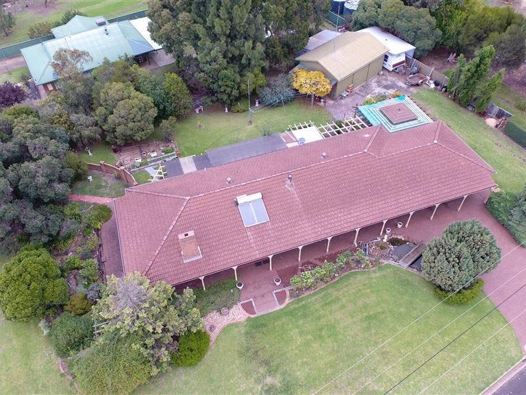 9 Sydney Road, Edenhope, Vic 3318