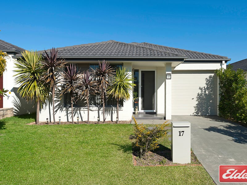 17 Sovereign Circuit, Glenfield, NSW 2167