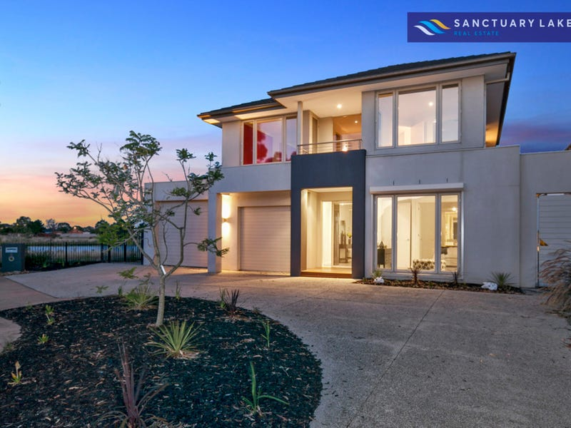 8 Brighton Bay View, Sanctuary Lakes, Vic 3030