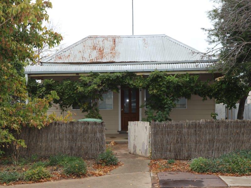 8 Main Street, West Wyalong, NSW 2671