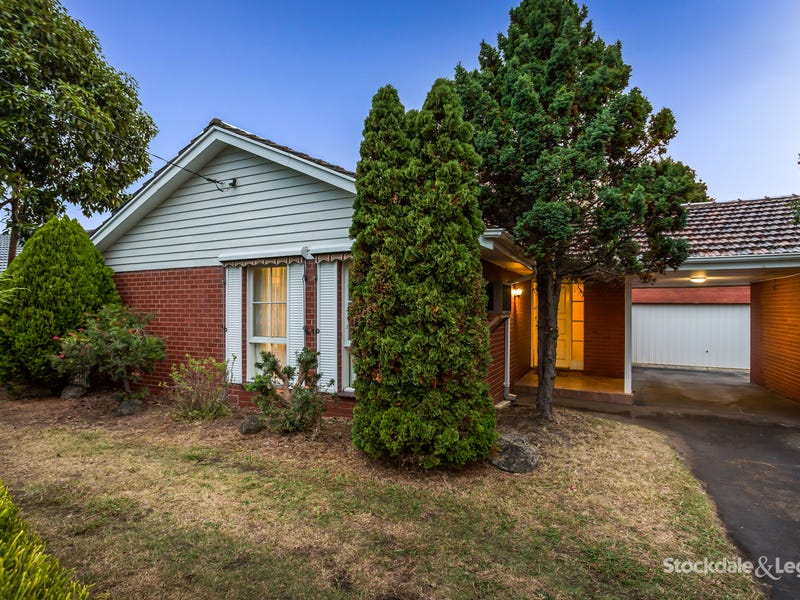 61 Gateshead Drive, Wantirna South, Vic 3152