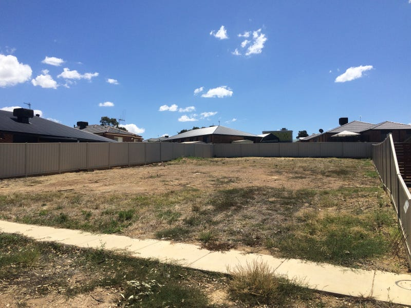 3 Lily Place, Kangaroo Flat, Vic 3555