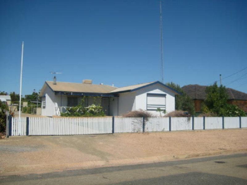 4 HARVEY STREET, Port Broughton, SA 5522