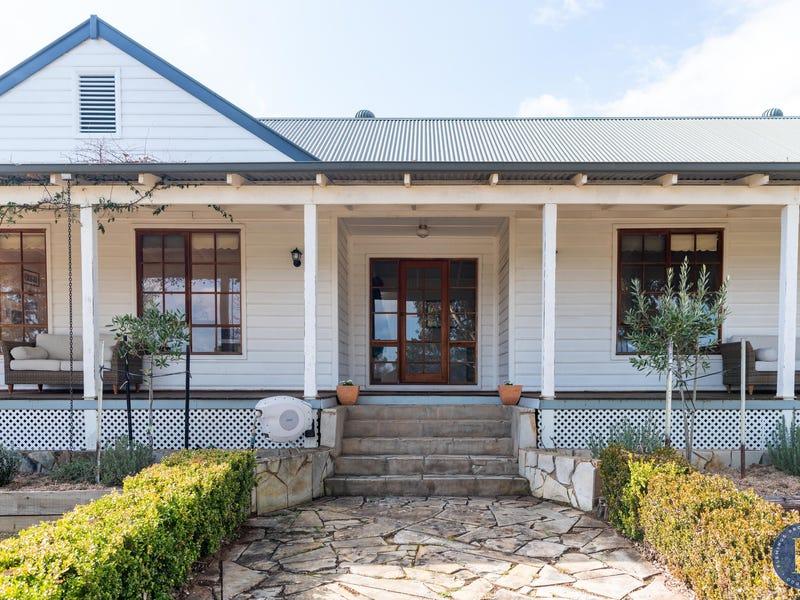 104 Farm Street, Boorowa, NSW 2586