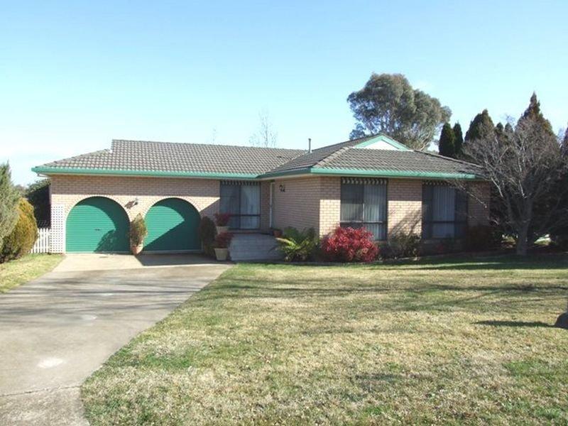 11 Rawle Avenue, Orange, NSW 2800