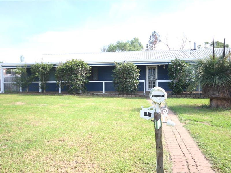 24 Naas Street, Tenterfield, NSW 2372