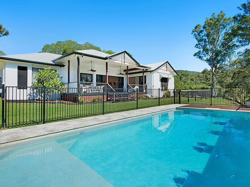 135 McLean Road South, Camp Mountain, Qld 4520