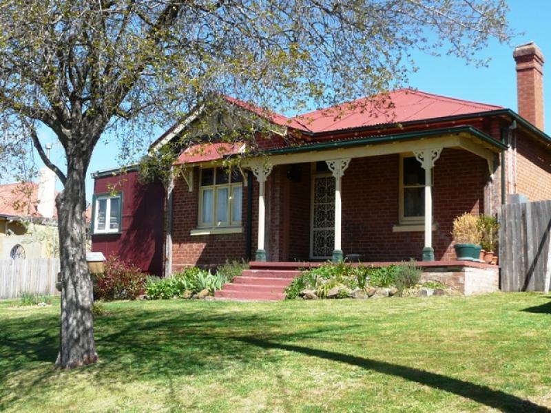 21 Lewins Street, Bathurst, NSW 2795
