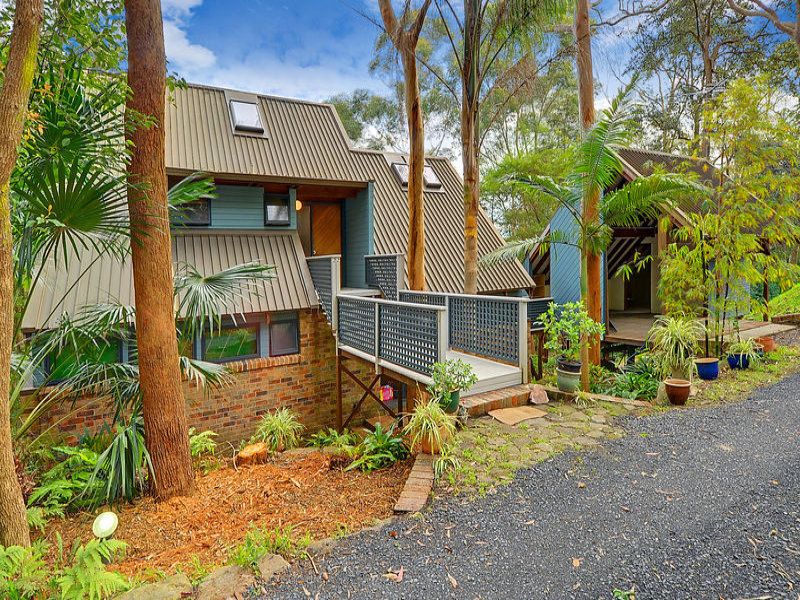 22 MANOR ROAD, Hornsby, NSW 2077