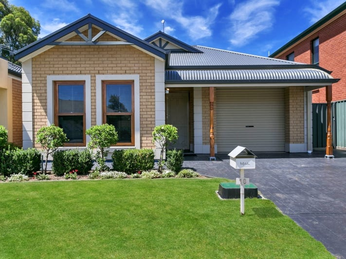 18 Creekview Drive, Mawson Lakes, SA 5095