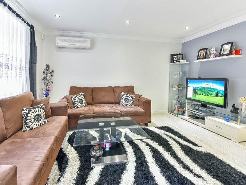 121 Parkholme Circuit, Englorie Park, NSW 2560