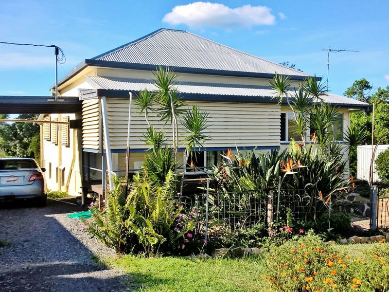 27 Crown Street, Mount Morgan, Qld 4714
