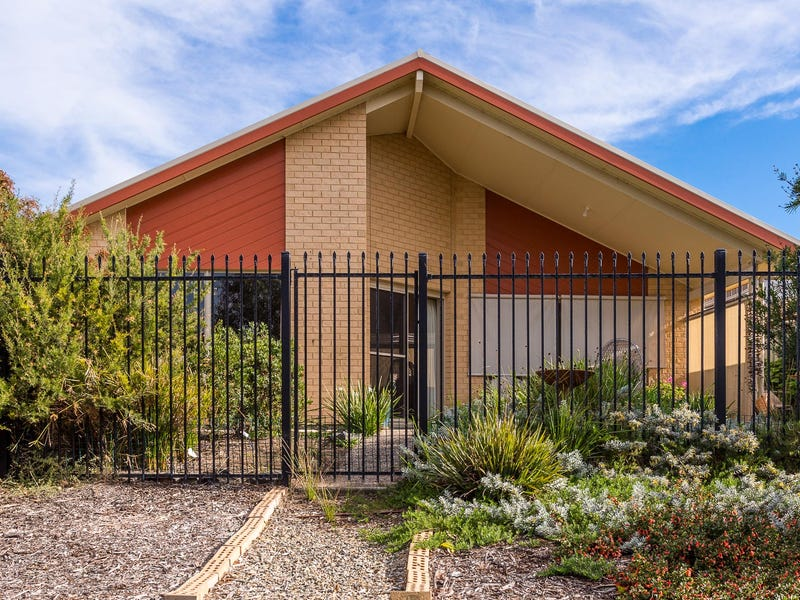 Little Neck of the Woods 5 Harwood Close, Encounter Bay, SA 5211
