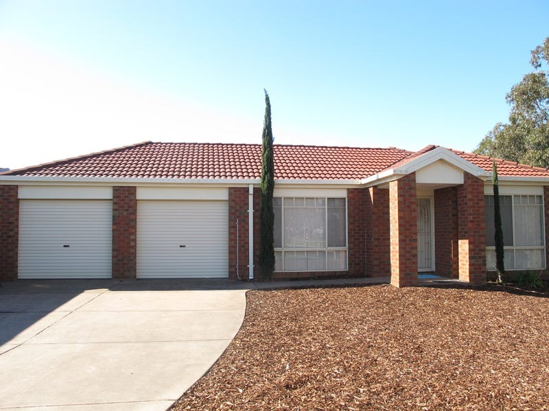 8 Patterson Close, Caroline Springs