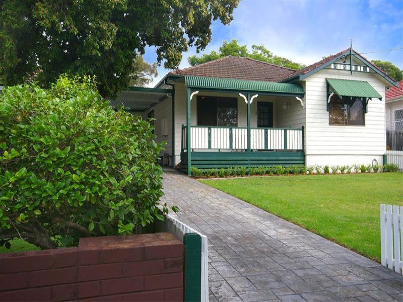 19 Stewart Avenue, Hornsby, NSW 2077