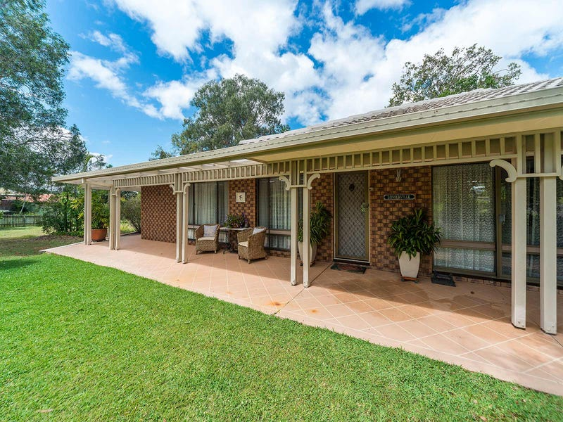 8 Preston Place, Helensvale, Qld 4212
