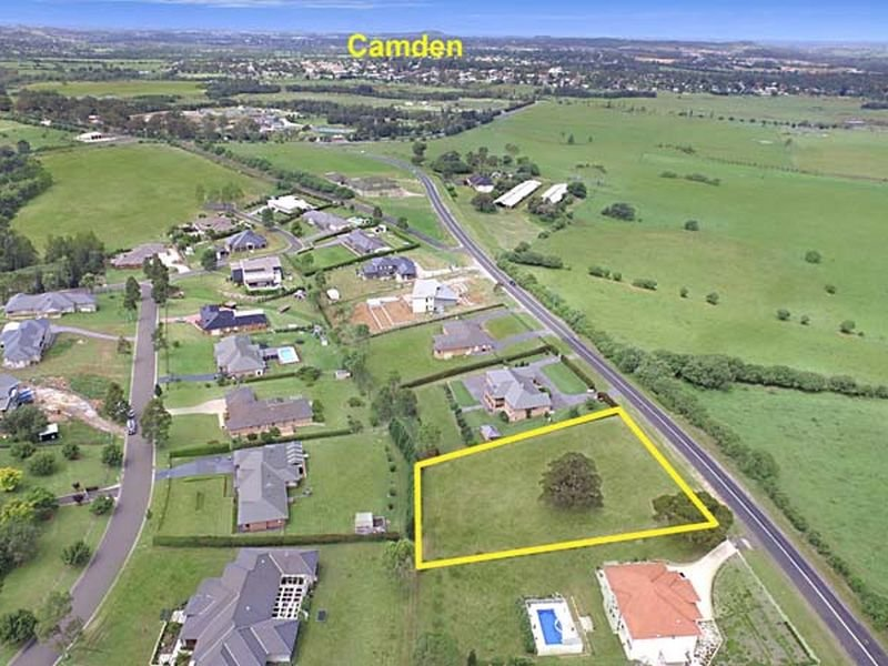 60 The Old Oaks Road, Grasmere, NSW 2570