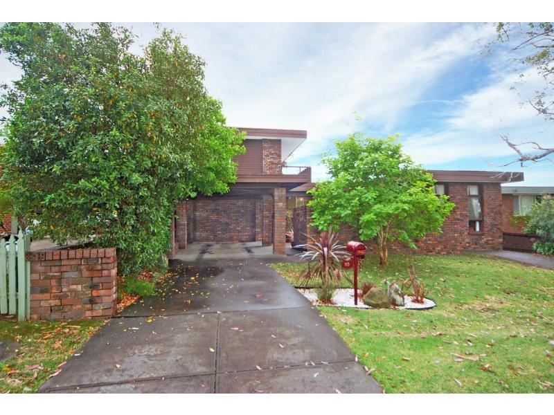 10 Bernadette Avenue, Nowra, NSW 2541