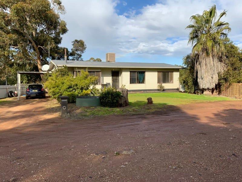 56 Parkes Road, Condobolin, NSW 2877
