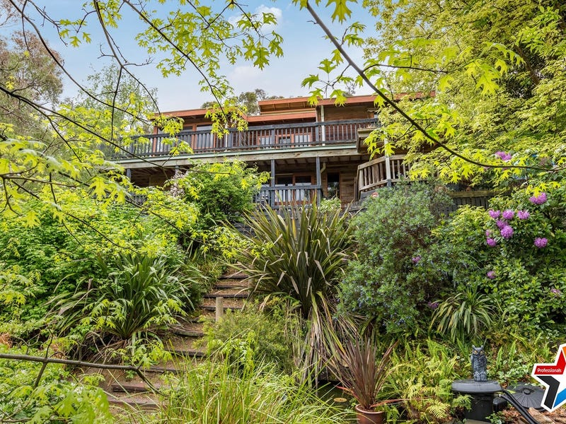 18 Sycamore Grove, Mount Evelyn, Vic 3796