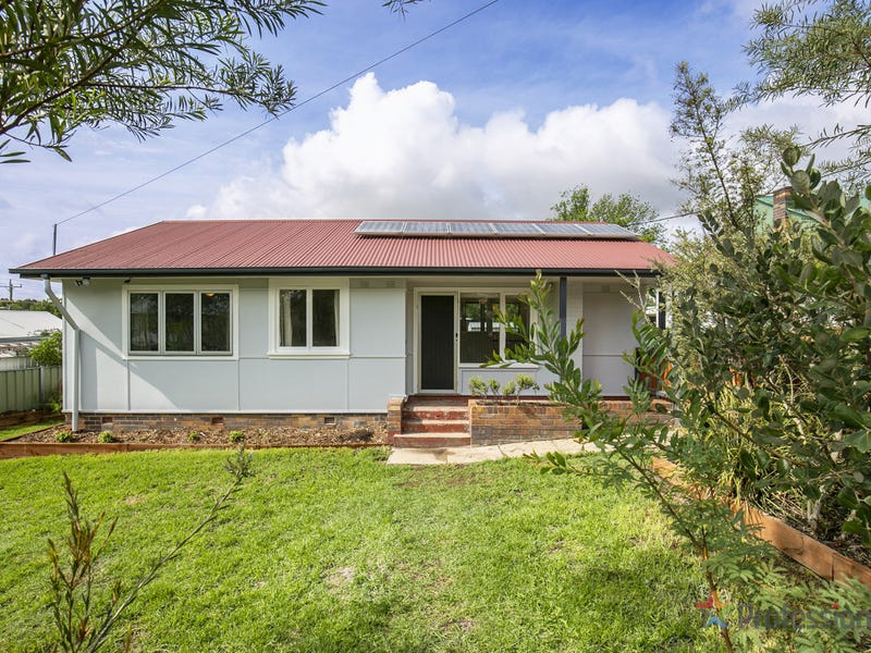 2 McLean Avenue, Armidale, NSW 2350