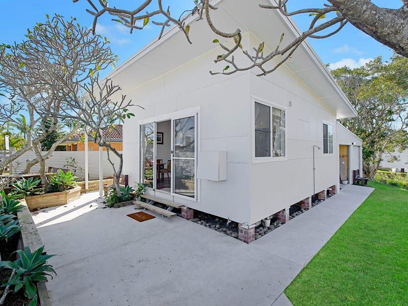 11 Pacific Street, Crescent Head, NSW 2440