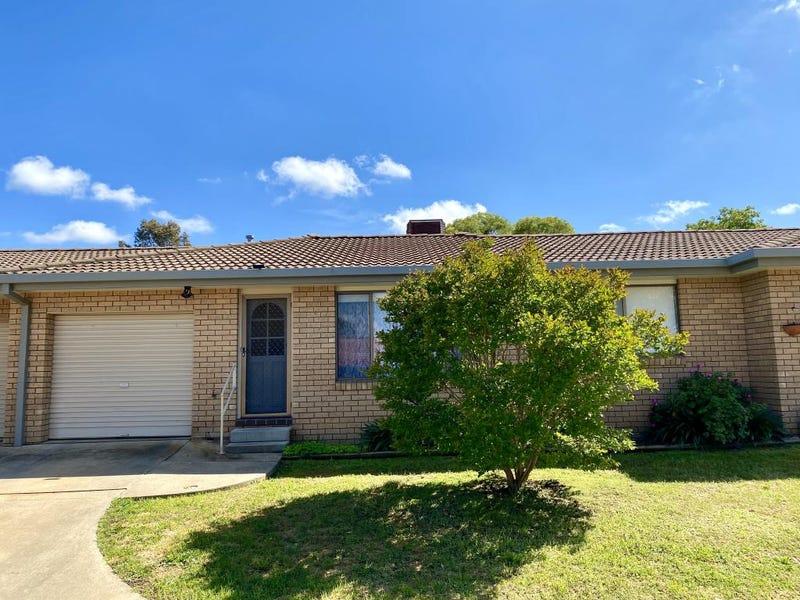 2/63 Blackett Avenue, Young, NSW 2594