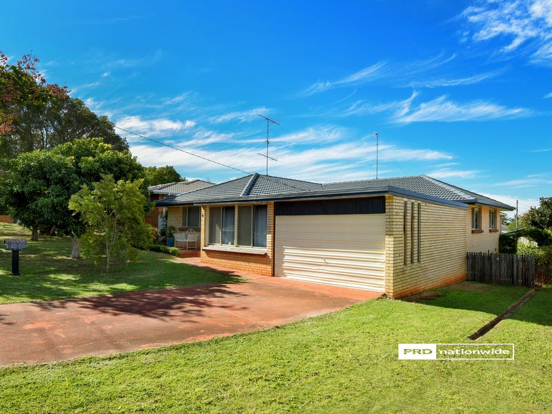 6 Maree Court, Centenary Heights, Qld 4350