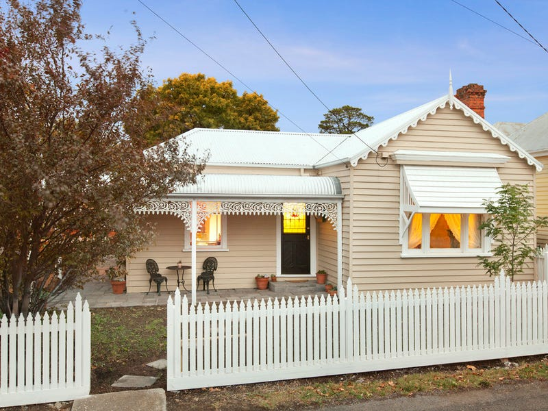 39 Service Street, Clunes, Vic 3370