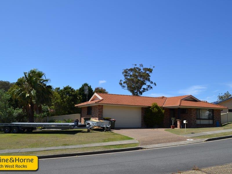 1 Steve Eagleton Dr, South West Rocks, NSW 2431