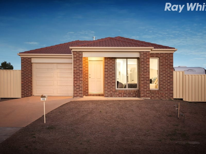 188 Blue Horizons Way, Pakenham, Vic 3810