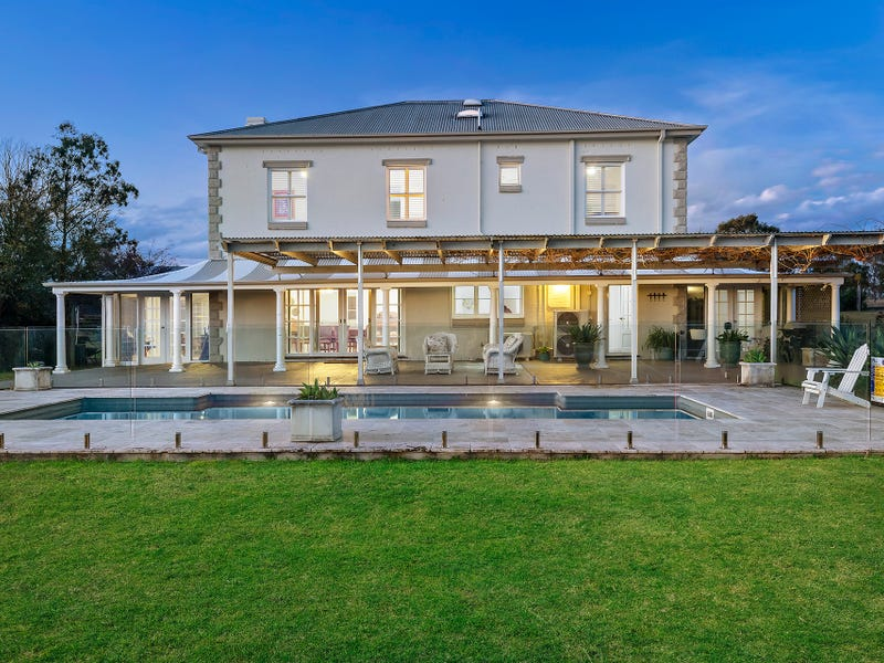 247 Wilderness Road, Lovedale, NSW 2325