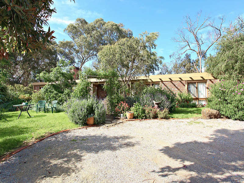 90 Salters Rush Road, Smiths Gully, Vic 3760