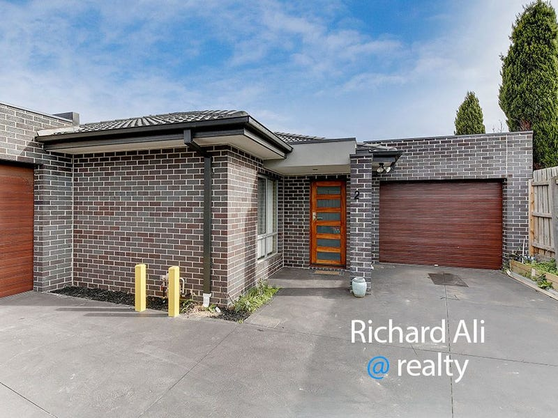 2/23 Dickinson Street, Hadfield, Vic 3046
