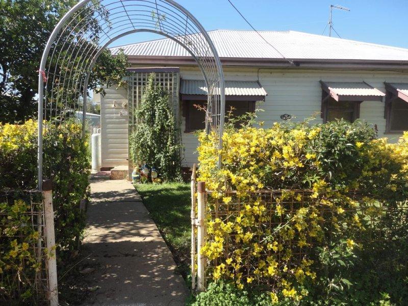 8 Third Street, Quandialla, NSW 2721