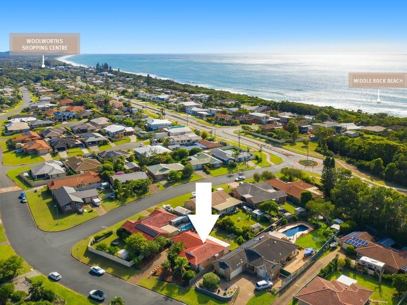 76 Fiona Crescent, Lake Cathie, NSW 2445