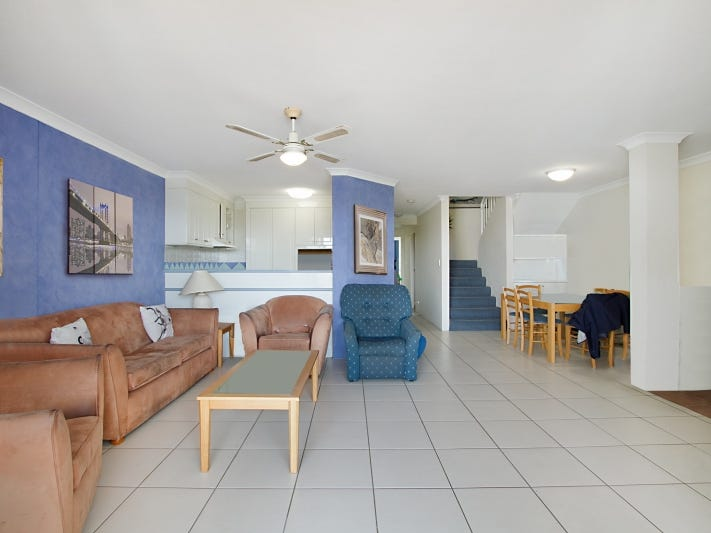 45/28 Chairlift Avenue, Miami, Qld 4220