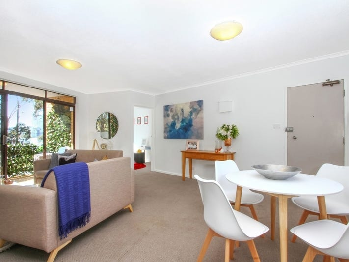 30/6 MacLaurin Crescent, Chifley, ACT 2606