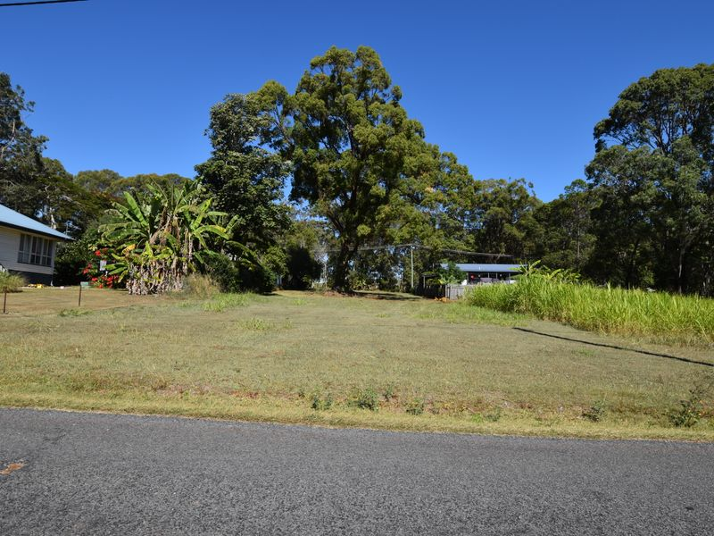 38 Laurel St, Russell Island, Qld 4184