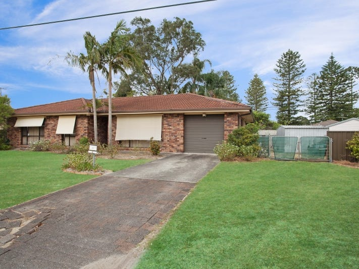 4 Monash Close, Tanilba Bay, NSW 2319