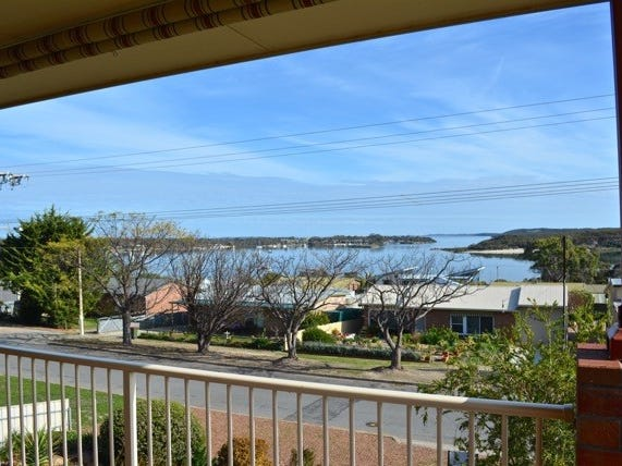 11 Pine Crescent, Coffin Bay