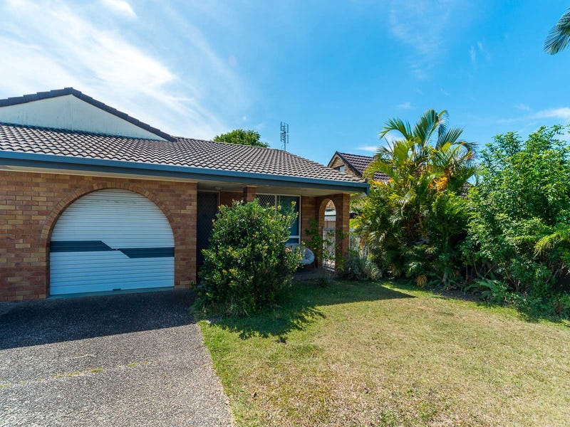 2/4 McWilliam Close, Labrador, Qld 4215
