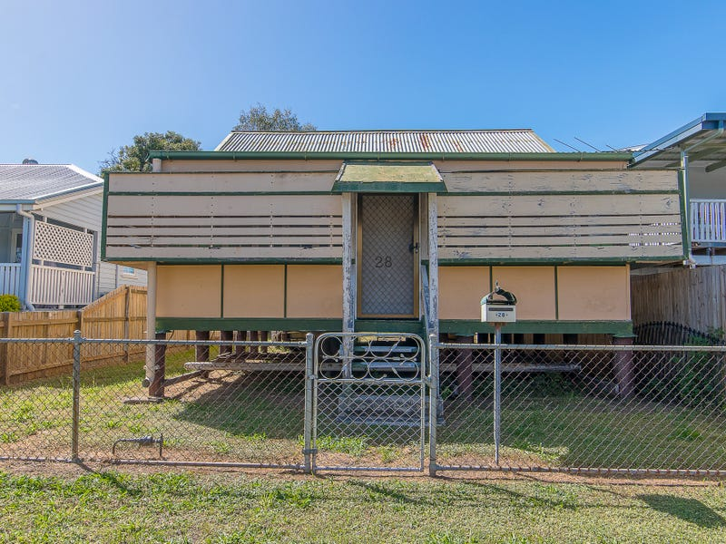 28 Fifth Avenue, South Townsville, Qld 4810